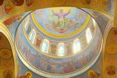 Der Innenraum der orthodoxen Kathedrale Stockfotos
