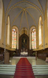 Der Innenraum des Chores der Kirche von Johannes Cesis stockfotos