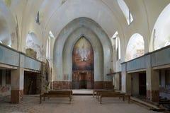 Der Innenraum einer alten verlassenen lutherischen Kirche Lumivaara, Russland Stockfotos