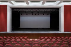 Der Innenraum der Halle im Theater lizenzfreies stockfoto