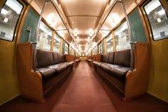 Der Innenraum Moskau-` s des Retro- Zugs U-Bahn von 1934 10. Juni 2017 moskau Russland lizenzfreie stockfotos