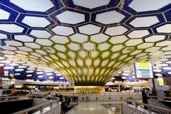 Der Innenraum von Abu Dhabi-Flughafen Stockfoto