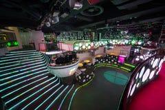 Der Innenraum von einem der Räume des Nachtklubs Pacha stockbild