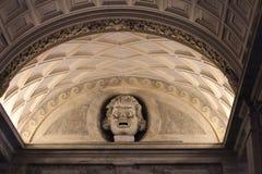 Der Innenraum von einem der Räume des Vatikan-Museums Stockfotografie