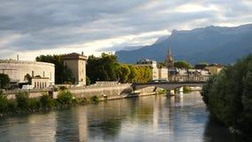 Der Isère-Fluss in Grenoble stock video footage