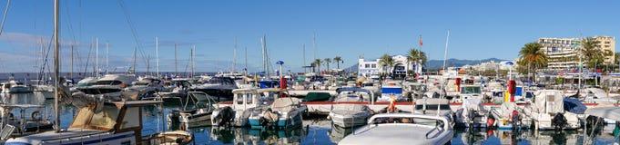 Der Jachthafen mit seinen Booten in Marbella in Spanien Lizenzfreies Stockbild
