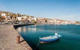 Der Jachthafen von Aci Trezza, kleines Seedorf nahe Catania Lizenzfreies Stockbild