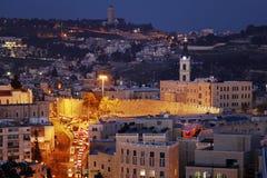 Der Jerusalem-alte Stadt und Ölberg nachts Stockfotografie