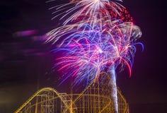 der Juli-Feuerwerke Lizenzfreie Stockfotografie