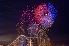 der Juli-Feuerwerke Stockfotos