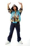 Der junge Mann in der Rapperkleidung Lizenzfreies Stockfoto