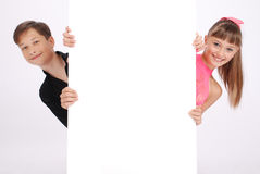 Der Junge und der Mädchenblick Stockbild