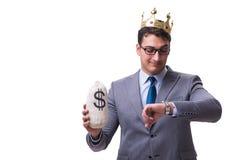 Der Königgeschäftsmann, der Geldtasche lokalisiert auf weißem Hintergrund hält Stockfotos