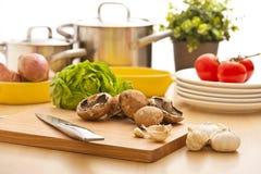 Der Küche Leben noch, Vorbereitung für das Kochen Lizenzfreies Stockbild