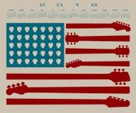 Der Kalender der amerikanischen Flagge, der von der Gitarre gemacht wird, zerteilt und wählt aus Stockbilder