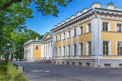 Der Kamennoostrovsky-Palast ist ein ehemaliger Kaiserlandwohnsitz auf Kamenny-Insel in St Petersburg Stockfoto