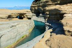 Der Kanal der Liebe, Kanal d ` Liebe in Sidari Korfu-Insel, Griechenland stockfotos