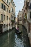 Der Kanal u. der Gondoliere Stockbild