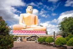 Der Kandy--Viharatempel Die Buddha-Statue Lizenzfreie Stockbilder