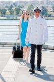 Der Kapitän und die Frau Stockbild
