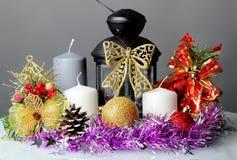 Der Kerzenständer und das Lametta Stockfotos