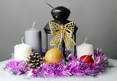 Der Kerzenständer und das Lametta Lizenzfreie Stockfotografie