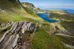 Der Kidney See, die sieben Rila Seen, Rila-Berg Lizenzfreie Stockfotos