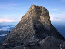 Der Kinabalu bei Sonnenaufgang in Sabah, Malaysia Lizenzfreies Stockfoto