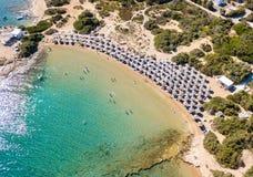 Der kleine Santa Maria-Strand auf der Insel von Paros lizenzfreie stockbilder