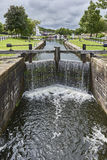 Der kleine schiffbare Kanal, Fluss barges zum Abfluss Lizenzfreie Stockbilder