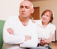 Der Konflikt zwischen Mutter und Sohn Lizenzfreies Stockbild