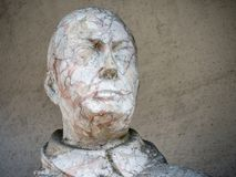 Der Kopf einer alten Statue stockbild