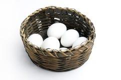 Der Korb der Eier Lizenzfreies Stockbild