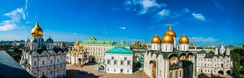 Der Kreml-Ausflug 17: Panorama des Kathedralenquadrats von t Lizenzfreie Stockfotografie