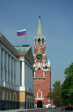 Der Kreml-Turm mit Glockenspiel Stockbild