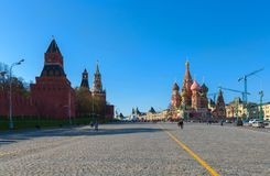 Der Kreml- und St.-Basilikum an Moskau-Rotem Platz Lizenzfreie Stockfotos