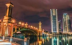 Der Kremlin wird im Fluss reflektiert Lizenzfreie Stockfotos