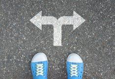 An der Kreuzung zu machen Entscheidung, Lizenzfreies Stockbild