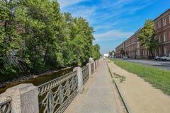 Der Kryukov-Kanaldamm in St Petersburg Stockbilder