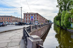 Der Kryukov-Kanaldamm in St Petersburg Stockfotografie