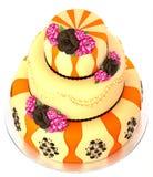 Der Kuchen mit drei Reihen mit 3 Schicht verzierte Schokolade stieg Stockfotografie