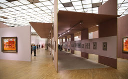 In der Kunstgalerie 2 Stockfotos