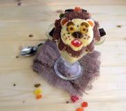 Der Löwe wird von der Eiscreme gemacht Stockbilder