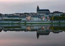 Der Landschaftsfluß und das Blois, Frankreich Lizenzfreie Stockfotografie