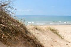 Der leere Strand von Barneville Carteret, Normandie, Frankreich Lizenzfreie Stockbilder