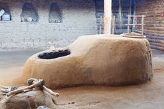 Der Lehm gut mit dem Kühlsystem des Bronzejahrhunderts stockbild