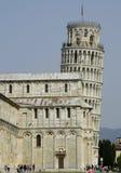 Der lehnende Kontrollturm von Pisa Stockbilder