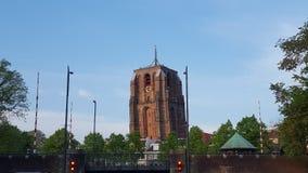 Der lehnende Turm von Leeuwarden lizenzfreie stockfotos