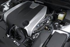 Der leistungsfähige Motor des modernen Autos Lizenzfreie Stockfotos