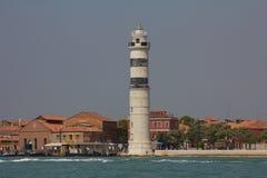 Der Leuchtturm auf der Insel von Murano stockfotografie